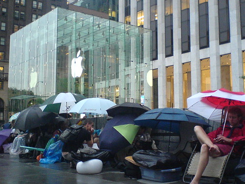 Apple iPhone hits US stores today