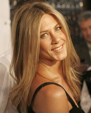 Jennifer Aniston Haircut With Bangs. jennifer-aniston-sedu-