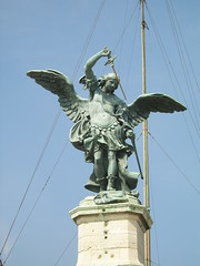 Rom_Castell_Sant'Angelo_02 (Trismgiste) Tags: travel boy sky man rome roma statue angel europa europe journey putte sword angelo engel baroque rom barock reise putto engelsburg boyish castellsantangelo