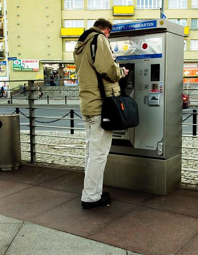 uliczny terminal Wrocławskiej Karty Miejskiej (Urbancard)