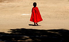Supermans Barefoot (See El Photo) Tags: wedding red 15fav cute classic kids 510fav comics dc kid child awesome super 10f superman loveit dirt hero comicbook barefoot superhero 100views cape smirk 1f descalzo faved scalzo redcape childern 1015fav 5f descalo comicbookhero piedsnus piedinudi baretootsies descalcinho