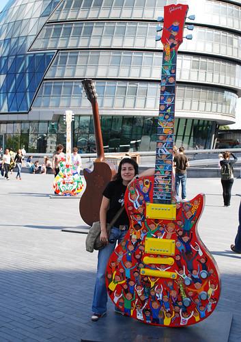 London Guitar Town 01