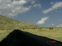 Does this road never end? (n_bose) Tags: trip ladakh nn 2007