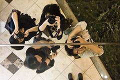 Let's photo :) (yocca) Tags: camera me myself mirror friend shoot together osaka 2007 ponkan amaoto cocoaloco sep2007    mmakino