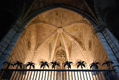 Shrine in the Cathedral Santa Eulalia, Barcelona (Semi-detached) Tags: barcelona santa light church saint architecture shrine catholic candle cathedral traditional buttress buttresses eulalia
