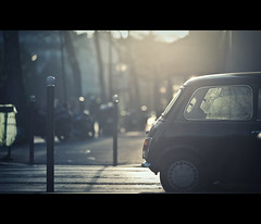 jet black (millan p. rible) Tags: street cinema black paris france car canon austin alley jet mini cooper cinematic jetblack 135l canonef135mmf2lusm canoneos5dmarkii ruedesacacias 5d2