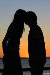Beijo roubado... (Boarin) Tags: sol praia pessoas beijos