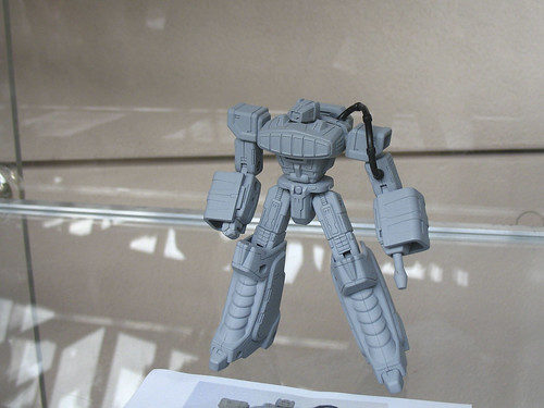 """Botcon '07 - Day 2 - Hasbro Tour - 6"""" Titanium Shockwave that will never be made."""