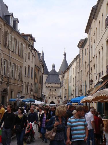 王宫旁边的跳蚤市场