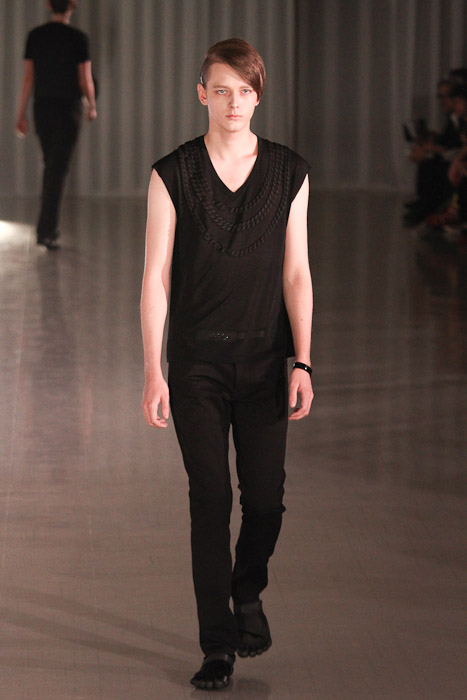 Daniel Hicks3050_SS11_Tokyo_MOLFIC(Fashionsnap)