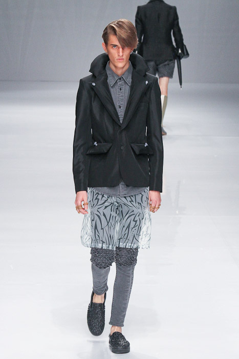 Gabriel Gronvik3100_SS11_Tokyo_PHENOMENON(Fashionsnap)