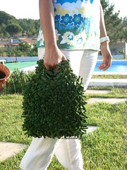 "Mala ""Floresta"" (Linhas&Missangas) Tags: verde green bag handmade fabric purse bolsa mala trapilho"