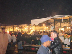 Marrakech, Djemaa el-Fna, december 2006 (ellen_oumomar) Tags: morocco marrakech marokko djemaaelfna