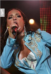 Sweaty Alicia Keys (Randy Orton) Tags: girls girl keys concert alicia live sweaty - 1297857083_4abab930e4_m