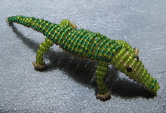 Cocodrilo. (naiarais) Tags: animal handmade artesania manualidades abalorios hechoamano bolitas hechopornaiara animalesdebolitas