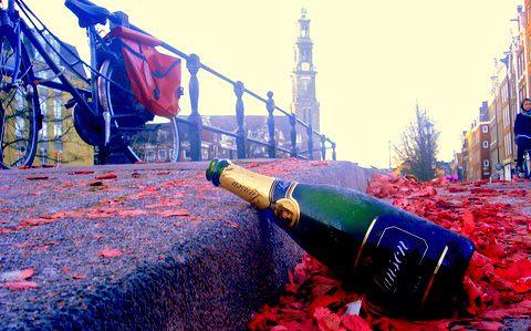 Puur* Amsterdam wenst u een vol en avontuurlijk 2009! by you.