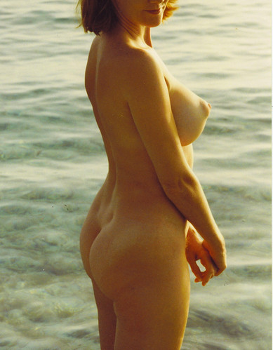 nude naked in the public exposure pics: nudist