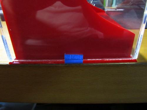 壓克力鏡面收藏盒-另用藍色膠帶固定.JPG