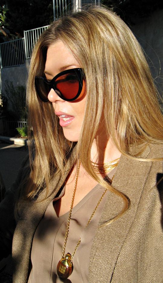 cat eye sunglasses+tom ford anouk sunglasses+straigh blonde hair
