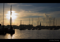 Enkhuizen - Harbor (Alex Verweij) Tags: sunset haven canon boot harbor zonsondergang boten enkhuizen afc alexverweij almeersefotoclub