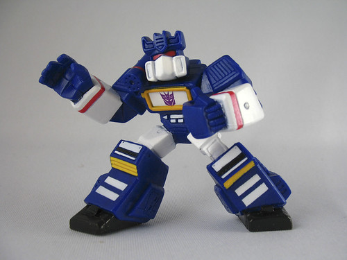 TF Robot Heroes Soundwave