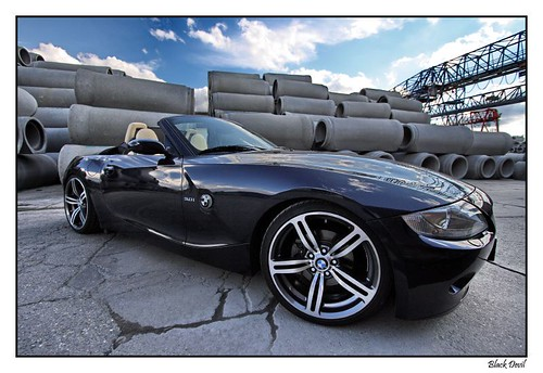 BMW Z4 nightblue with M6 wheels