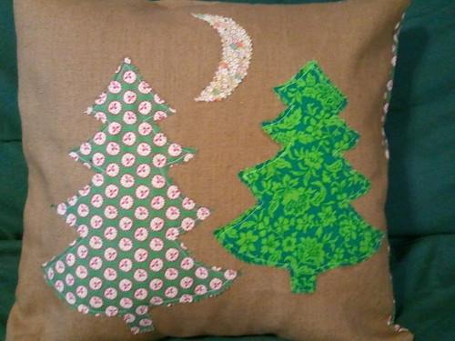 Holiday appliqued throw pillow