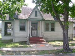 5004 Howard Ave