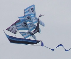 Smithsonian Kite Festival - by clarissa~