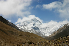 Prachtige uitzicht op top Mount Everest (Uitgebeeld.nl ** AKA ** Dan Kamminga) Tags: china nepal sky cloud mountain rock top tibet mount rateme34 portfolio everest rugged azie highest rateme17 rateme28 rateme11