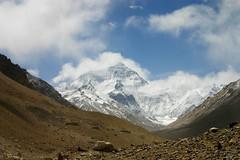 Prachtige uitzicht op top Mount Everest (Uitgebeeld.nl ** AKA ** Dan Kamminga) Tags: china nepal sky cloud mountain rock top tibet mount rateme34 portfolio everest rugged azie highest rateme17 rateme28 rateme11