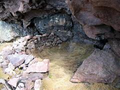 Vire du Tafonatu côté Silvastriccia : un des bivouacs sous abri