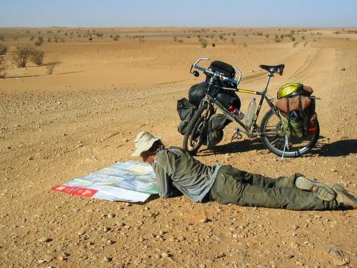 Map reading in the desert
