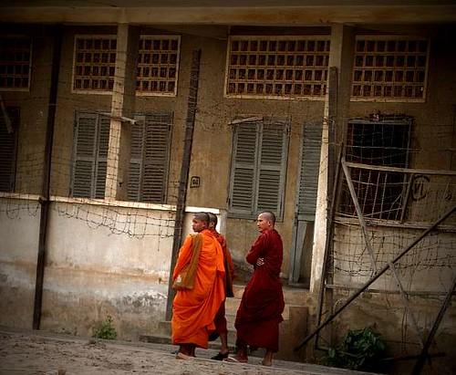 Free Burma : Silence for peace
