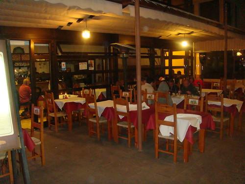 Terraza y entrada al restaurante