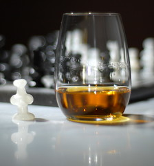 light shadow brown white black reflection glass reflections gold mirror golden nikon bokeh chess whiskey symmetry balance marble pawn singlemalt cls glycerin checkmate malt glycerol hbw strobist checkmalt