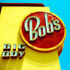 Bob's ([ r  c e y t  y ] {I brke for bokeh}) Tags: camera blue red yellow photo bright etsy primary whybother 50mmf14usm dheml raceytay ibrakeforbokeh ohdamnthesearethenewstupidtagsarentthey itsnofunnow blahblahblah5dmarkii