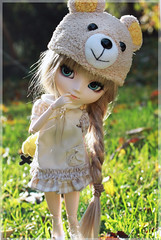 Miss Lovely (Chrii Chrii) Tags: autumn sun canon duck eyes doll pullip outsite shinku ayume