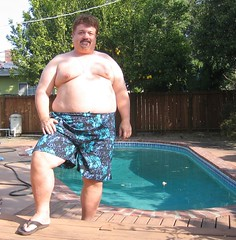 365.004 New Swimming Trunks (Diogioscuro) Tags: bear pool backyard fat dws swimmingtrunks 365days diogioscuro