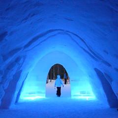 (SGRT) Tags: blue winter party mars snow ski cold ice nature digital suomi square hotel march lapland vodka polar lovelovelove ricoh igloo 2007 finlandia polaire carre finlande grd ylls laponie lainio aplusphoto kitill