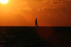 tramonto con barca a vela (alisanco) Tags: tramonto capo marsala boeo