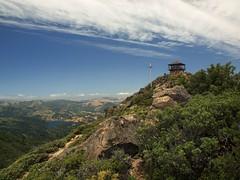 mt tam summit 2 (D.H. Parks) Tags: hiking summit marincounty tamalpais circularpolarizer firelookout