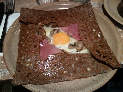 Breizh Café: Complète aux champignons