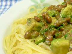アボカドと納豆のスパゲティ