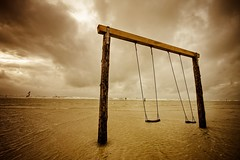 flood swing (Mace2000) Tags: storm beach nature germany print landscape deutschland 350d natur swing northsea landschaft nordsee schleswigholstein flooded stpeterording nordfriesland landunter mace2000 northfrisia countryscenery 2img6509