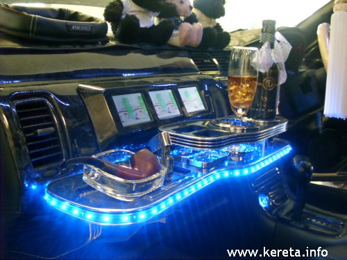 NICE MODIFIED INTERIOR & AUDIO SYSTEM IN CAR ENTERTAINMENT