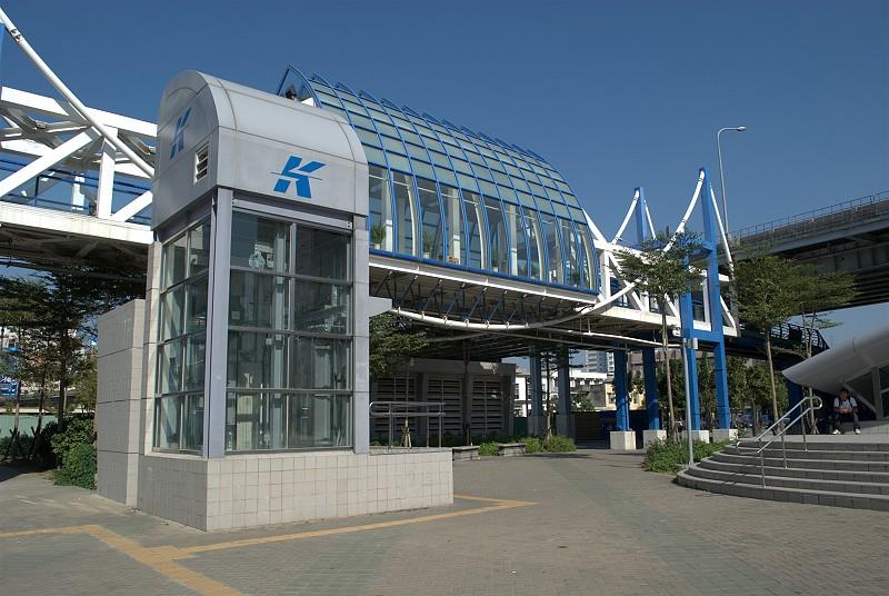 高雄站火車頭出口