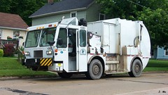 City of Janesville Garbage Truck (TheTransitCamera) Tags: truck garbage collection wi janesville