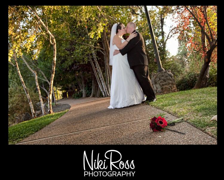 bride-groom-pathway