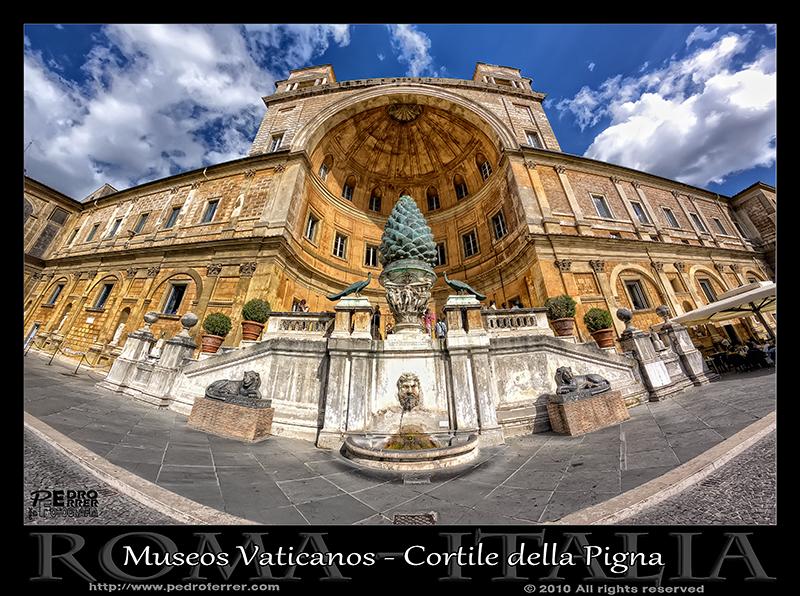 Roma - Museos Vaticanos - Cortile della Pigna